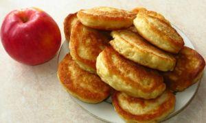 Рецепт оладий с яблоками на молоке