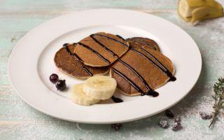 Рецепт сливочных оладьев с шоколадным топпингом